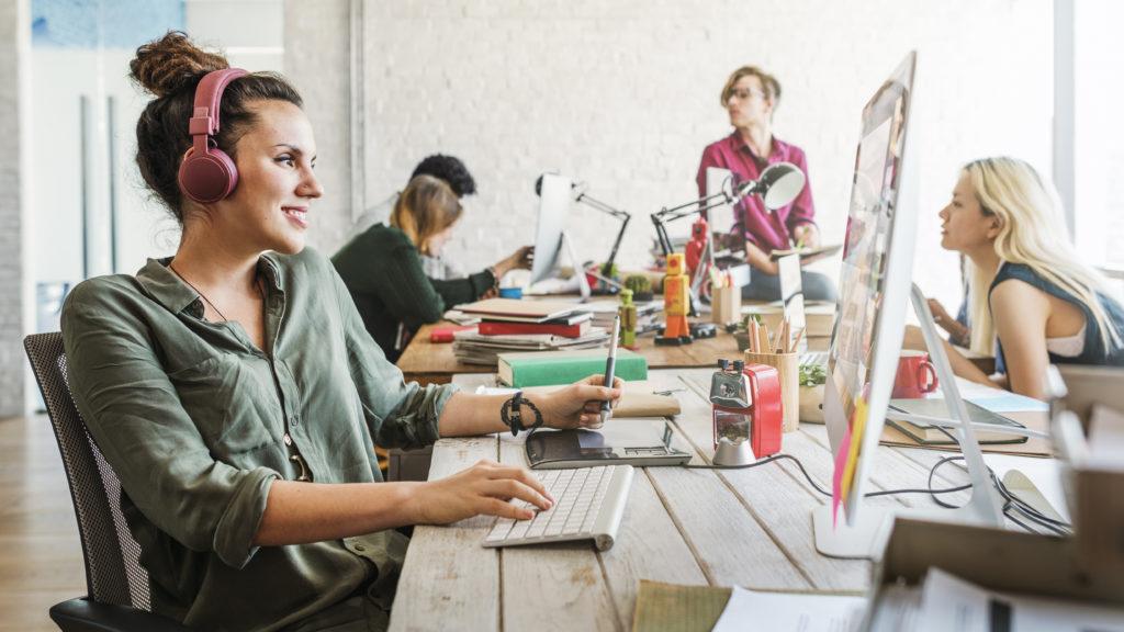 Digital designers duiken in bedrijfsleven amsterdam for Amsterdam economica
